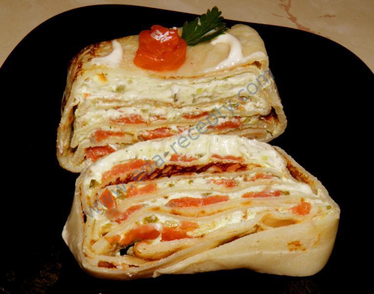 фото рецепта блинный торт с семгой