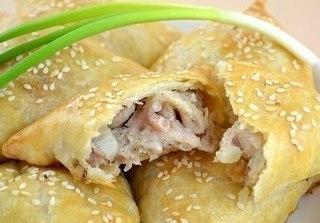 Самса - Нежное куриное мясо в хрустящем слоеном тесте